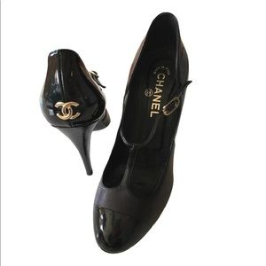 Chanel Black Gold Lambskin and Patent Leather Pump